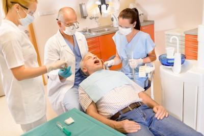 Four Reasons Why Men Should Visit A Dentist